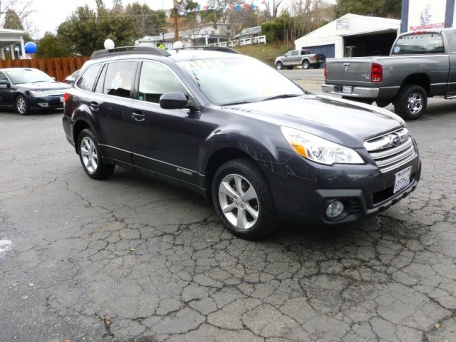 2013 Subaru Outback ONE OWNER CLEAN CARFAX